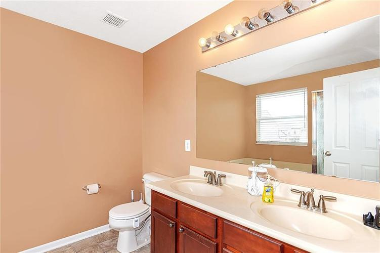 19368 Searay Drive Noblesville, IN 46060 | MLS 21690491 | photo 32