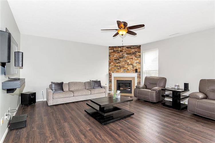 19368 Searay Drive Noblesville, IN 46060 | MLS 21690491 | photo 8