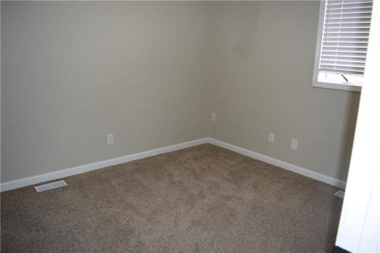 673 W 73rd Street Indianapolis, IN 46260 | MLS 21690569 | photo 24