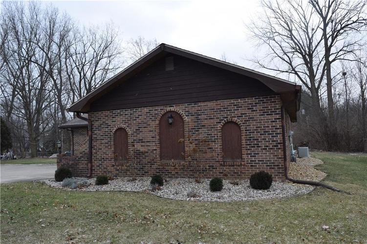 673 W 73rd Street Indianapolis, IN 46260 | MLS 21690569 | photo 32
