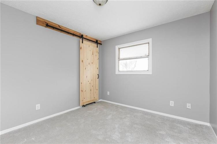 5334 W Epler Road Indianapolis, IN 46221 | MLS 21690651 | photo 18