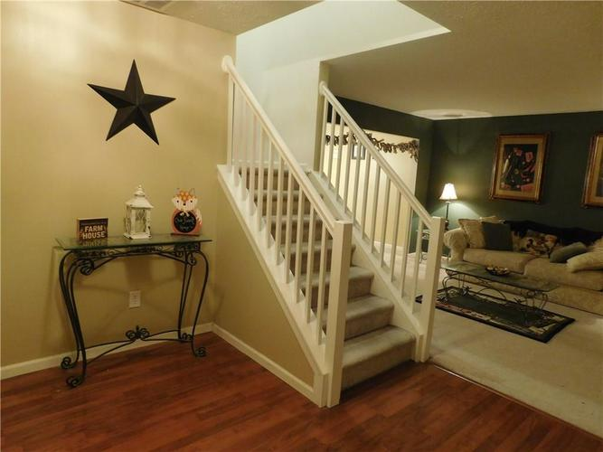 10903 Greenleaf Drive Indianapolis, IN 46229 | MLS 21690727 | photo 2