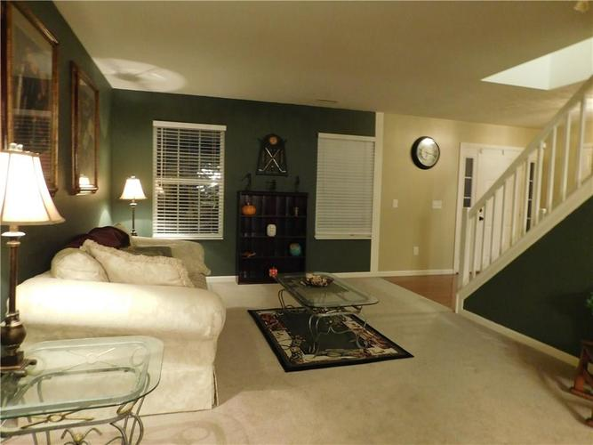 10903 Greenleaf Drive Indianapolis, IN 46229 | MLS 21690727 | photo 4