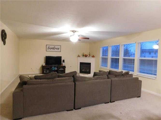 10903 Greenleaf Drive Indianapolis, IN 46229 | MLS 21690727 | photo 7