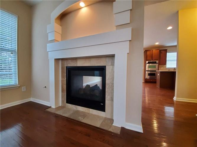 2386 The Springs Drive Indianapolis IN 46260   MLS 21690766   photo 11