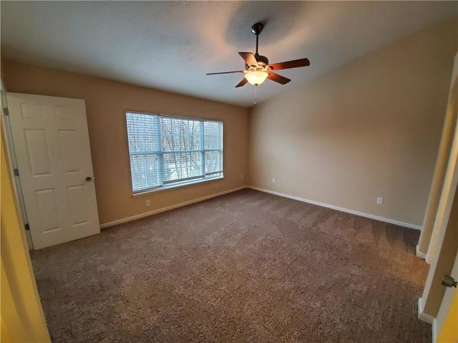 2386 The Springs Drive Indianapolis IN 46260   MLS 21690766   photo 16