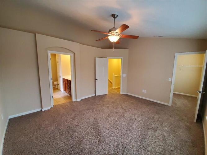 2386 The Springs Drive Indianapolis IN 46260   MLS 21690766   photo 18