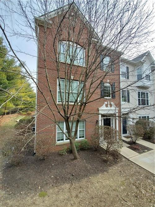 2386 The Springs Drive Indianapolis IN 46260   MLS 21690766   photo 2