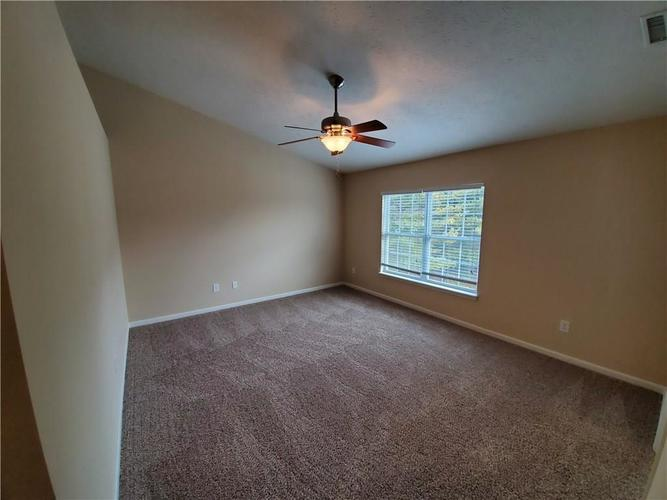 2386 The Springs Drive Indianapolis IN 46260   MLS 21690766   photo 22