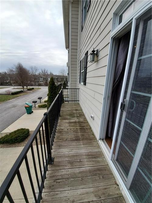 2386 The Springs Drive Indianapolis IN 46260   MLS 21690766   photo 26