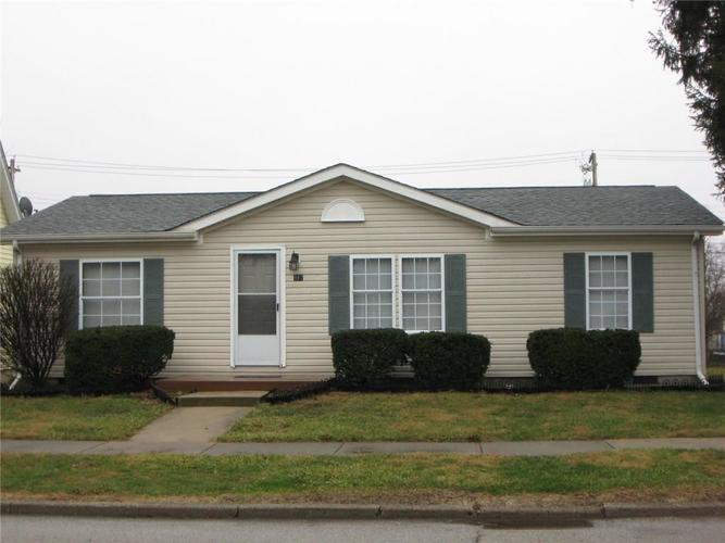 917 W North St Greenfield, IN 46140 | MLS 21690908 | photo 1