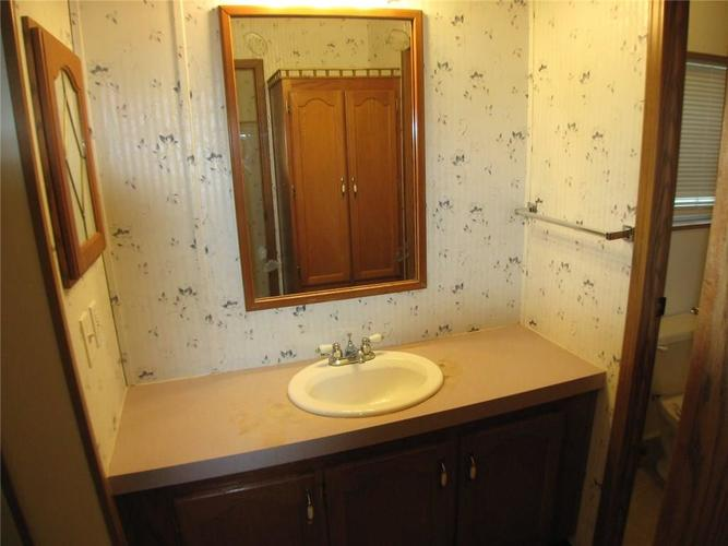917 W North St Greenfield, IN 46140 | MLS 21690908 | photo 10