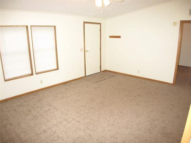 917 W North St Greenfield, IN 46140 | MLS 21690908 | photo 4