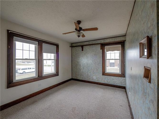 2201 S Lynhurst Drive Indianapolis, IN 46241 | MLS 21690993 | photo 23