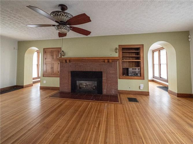 2201 S Lynhurst Drive Indianapolis, IN 46241 | MLS 21690993 | photo 9