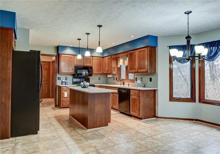 12242 Pentwater Court Indianapolis, IN 46236 | MLS 21691010 | photo 13