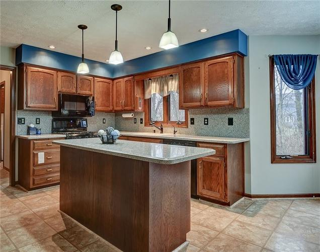 12242 Pentwater Court Indianapolis, IN 46236 | MLS 21691010 | photo 16
