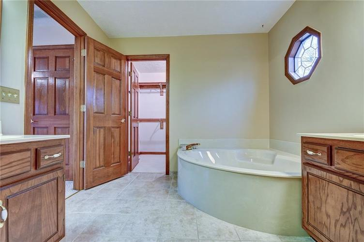 12242 Pentwater Court Indianapolis, IN 46236 | MLS 21691010 | photo 41