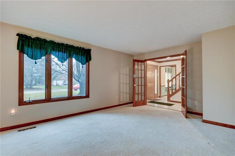 12242 Pentwater Court Indianapolis, IN 46236 | MLS 21691010 | photo 5