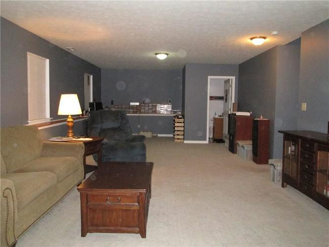 7150 Dewester Drive Indianapolis, IN 46236 | MLS 21691111 | photo 7