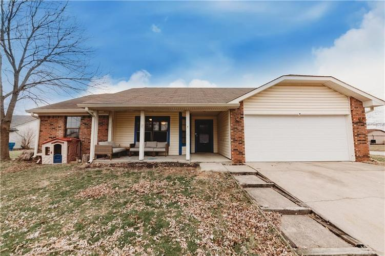 11158 Lisa Court Indianapolis IN 46235   MLS 21691116   photo 1