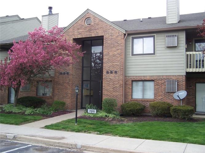 4361 #5 Village Pkwy West Circle W Indianapolis, IN 46254 | MLS 21691238 | photo 1