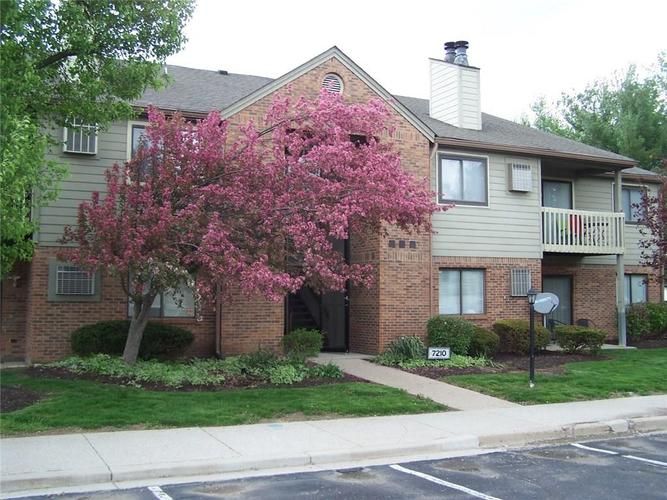 4361 #5 Village Pkwy West Circle W Indianapolis, IN 46254 | MLS 21691238 | photo 2
