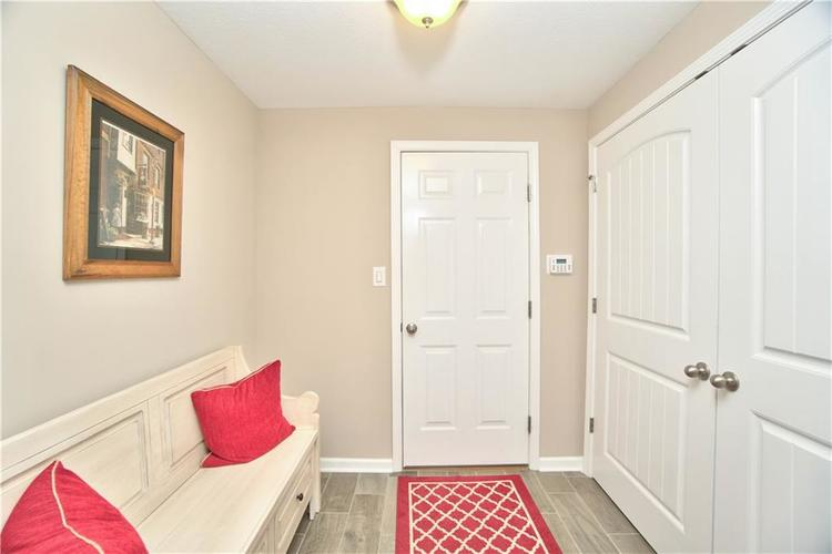 517 Amersham Court Avon, IN 46123 | MLS 21691242 | photo 15