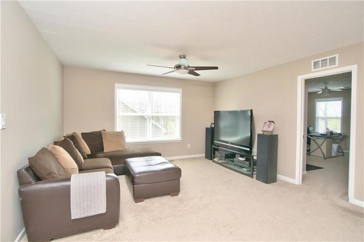 517 Amersham Court Avon, IN 46123 | MLS 21691242 | photo 17