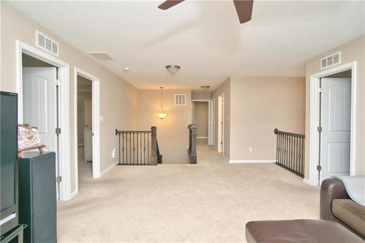 517 Amersham Court Avon, IN 46123 | MLS 21691242 | photo 18