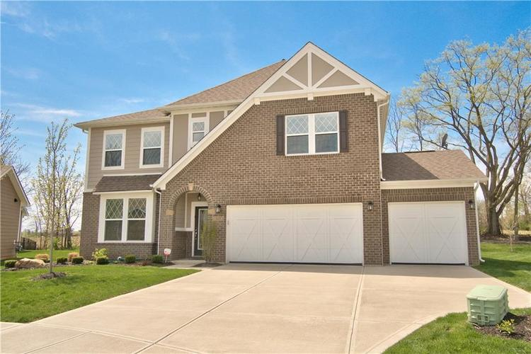 517 Amersham Court Avon, IN 46123 | MLS 21691242 | photo 2