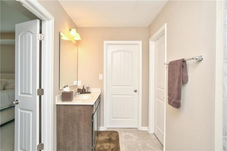 517 Amersham Court Avon, IN 46123 | MLS 21691242 | photo 21