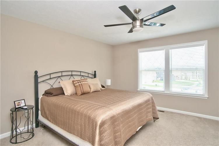 517 Amersham Court Avon, IN 46123 | MLS 21691242 | photo 28