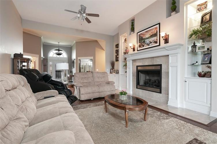 2511 WOODLAND FARMS Drive Columbus IN 47201 | MLS 21692609 | photo 14