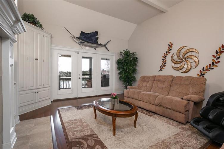 2511 WOODLAND FARMS Drive Columbus IN 47201 | MLS 21692609 | photo 16