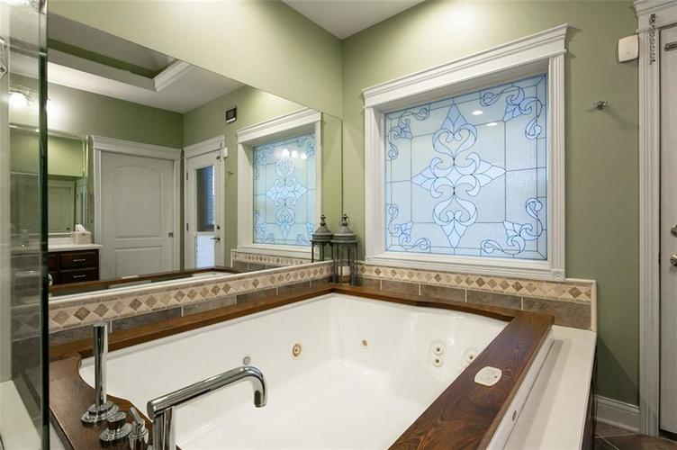 2511 WOODLAND FARMS Drive Columbus IN 47201 | MLS 21692609 | photo 21