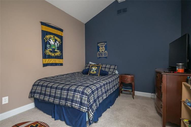 2511 WOODLAND FARMS Drive Columbus IN 47201 | MLS 21692609 | photo 25