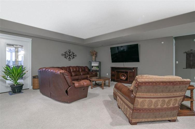 2511 WOODLAND FARMS Drive Columbus IN 47201 | MLS 21692609 | photo 32