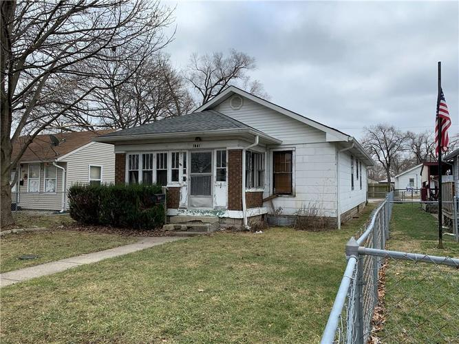 1641 E Bradbury Avenue Indianapolis, IN 46203 | MLS 21692709 | photo 1