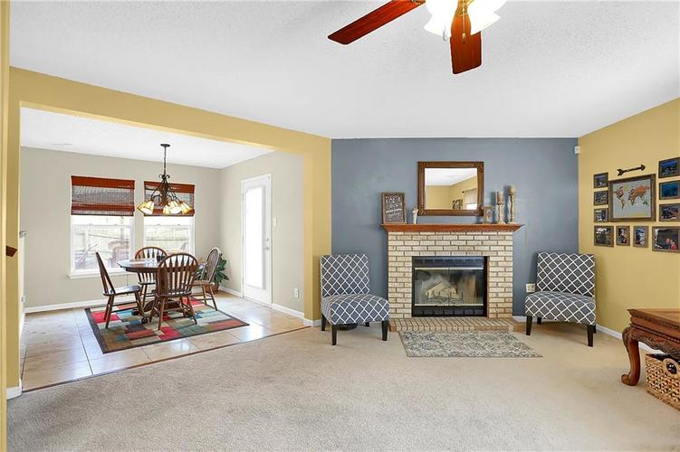 6865 Maywood Circle Avon, IN 46123 | MLS 21692711 | photo 11
