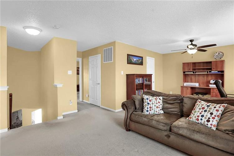 6865 Maywood Circle Avon, IN 46123 | MLS 21692711 | photo 26