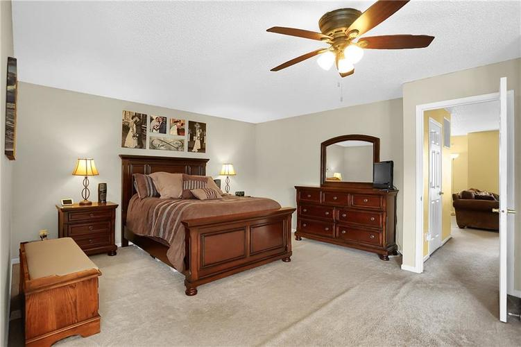 6865 Maywood Circle Avon, IN 46123 | MLS 21692711 | photo 28