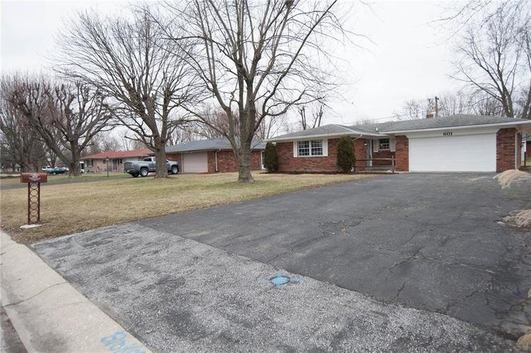601 Hopkins Road Indianapolis, IN 46229 | MLS 21692887 | photo 1
