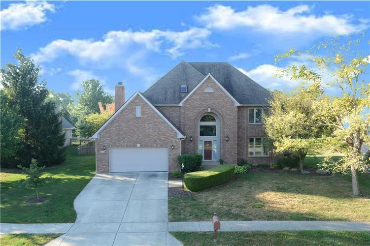9945 Southwind Circle Indianapolis, IN 46256 | MLS 21692949 | photo 2