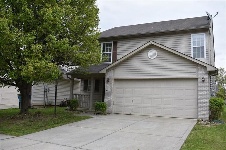 4257 Village Bend Drive Indianapolis IN 46254 | MLS 21693011 | photo 1
