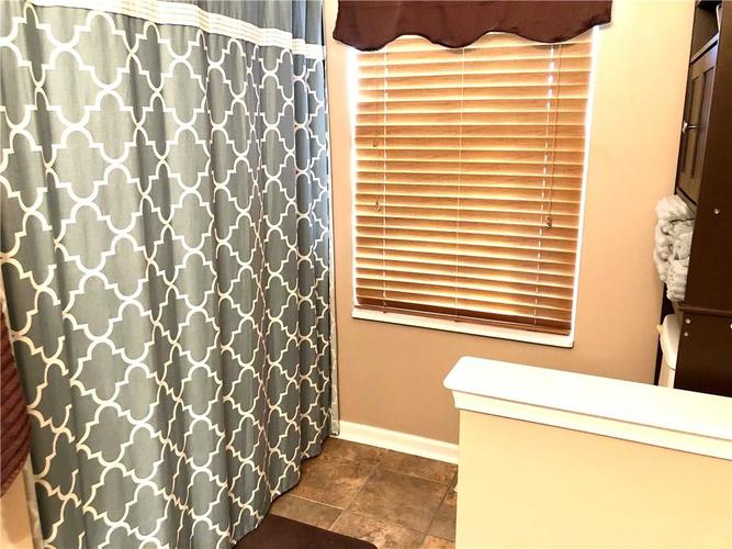 1612 Perry Commons Boulevard Indianapolis, IN 46217 | MLS 21693124 | photo 28