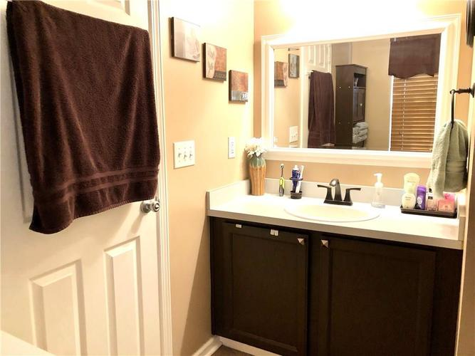 1612 Perry Commons Boulevard Indianapolis, IN 46217 | MLS 21693124 | photo 29