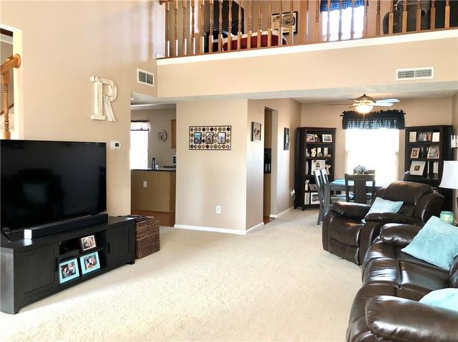 1612 Perry Commons Boulevard Indianapolis, IN 46217 | MLS 21693124 | photo 7