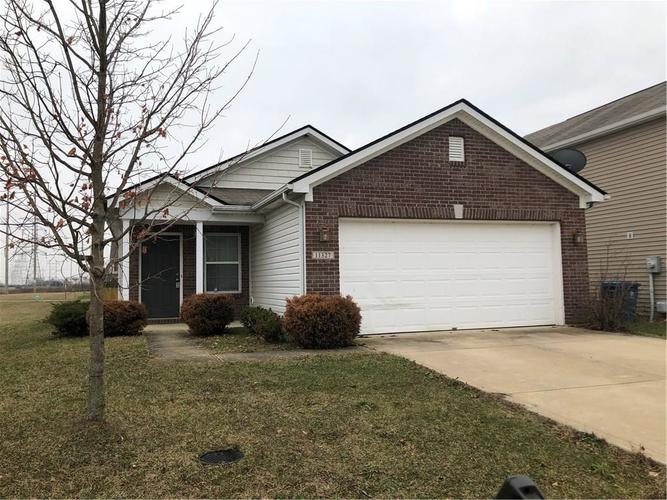 11327  Cuyahoga Drive Indianapolis, IN 46235 | MLS 21693154