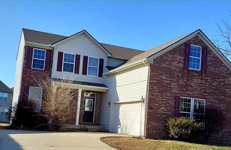 2526 Thorney Wood Lane Indianapolis IN 46239 | MLS 21693278 | photo 1